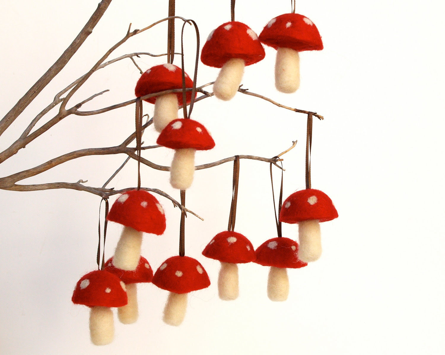 Felted Christmas Ornaments 10 red toadstool mushroom decoration woodland tree handmade nature white Hanging Aice in Wonderland