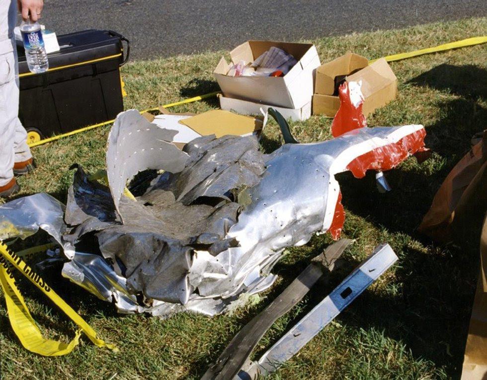 Restos del fuselaje del vuelo 77 de American Airlines que impactó contra las instalaciones del Pentágono.