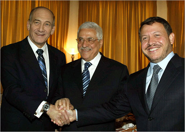 Abbas and Olmert Meet at Informal First Meeting