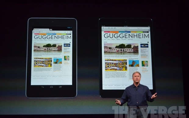 A tela do novo iPad mini comparado com o Nexus 7 com Android (Foto: Reprodução/The Verge)