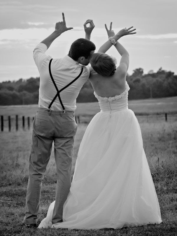 Bride and Groom Photos - Creative Wedding Photos | Wedding Planning, Ideas  Etiquette | Bridal Guide Magazine