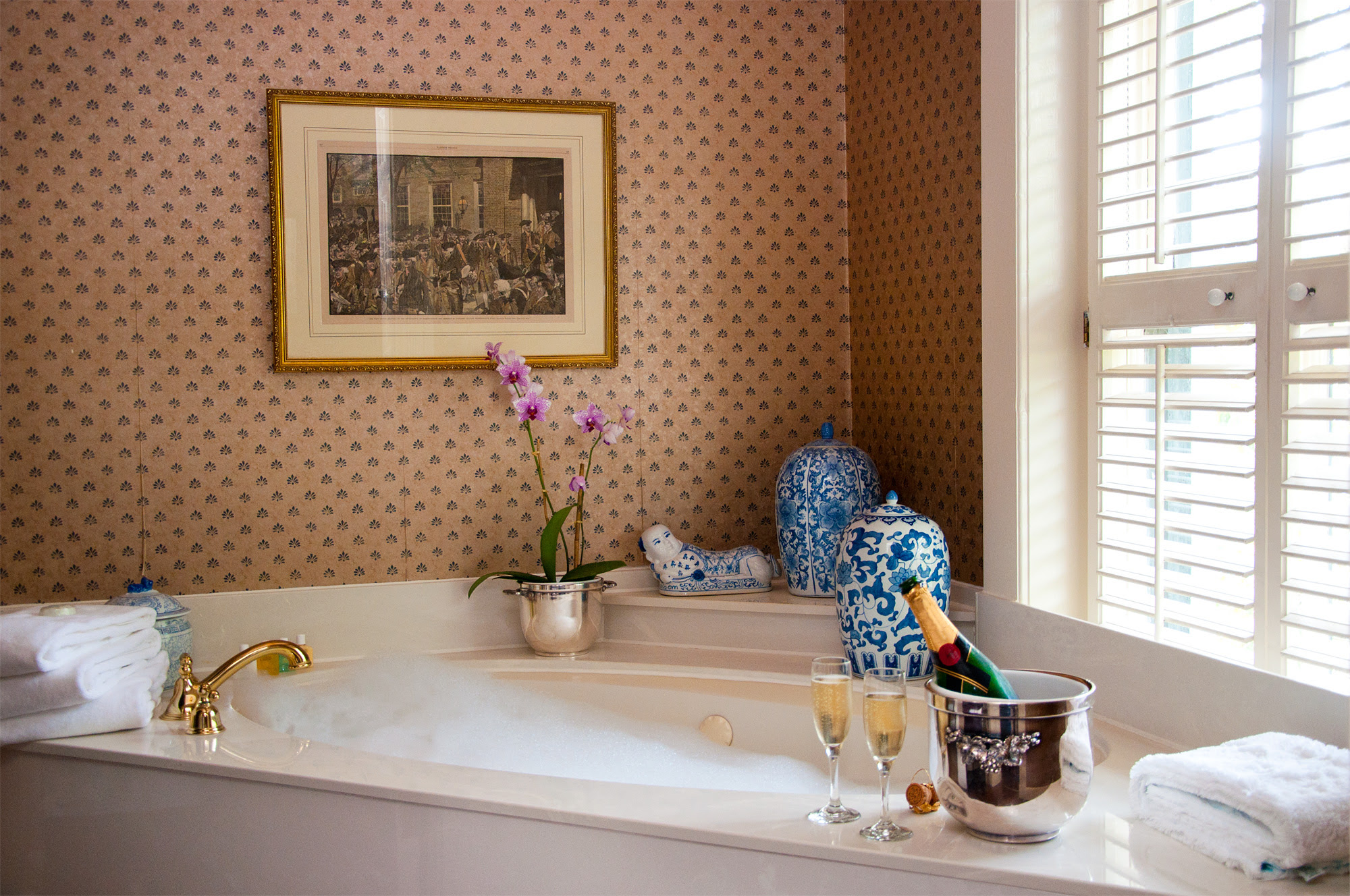Unique Bathroom Ideas to Try, From Vintage Vanities to Faux ...