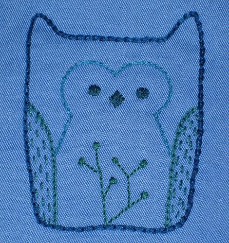 blue owl bib detail