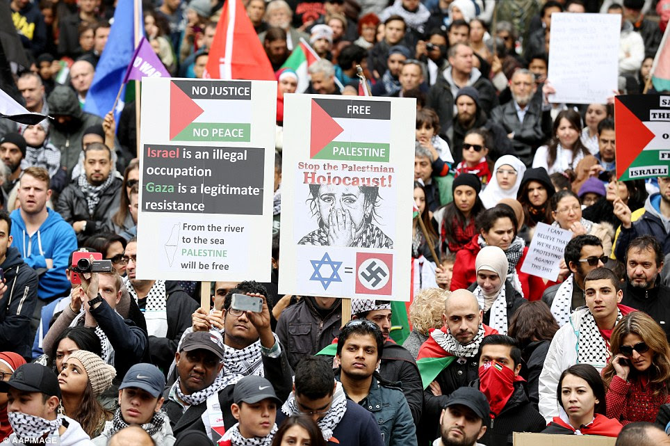 Sydney's main shopping street was lined with people dressed in red, black, white and green in support of Gaza