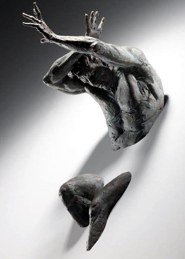 Astonishingly Life-Like Figuratives Sculptures (9)