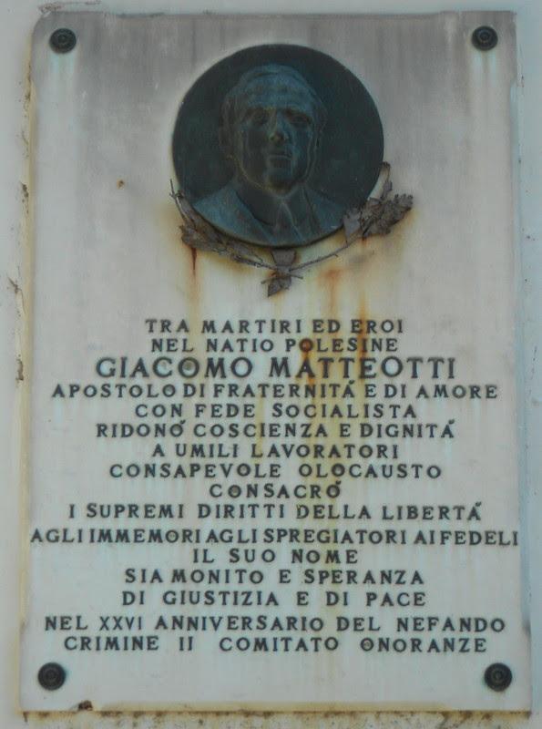 lapide in piazza Matteotti, Rovigo