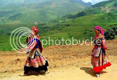 http://i347.photobucket.com/albums/p464/blogspot_images1/Desamuduru/hmong1.jpg