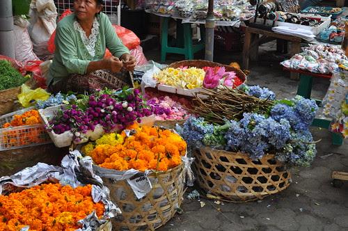 ubud market scene 1