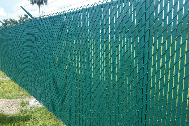 Chain Link Gomez Fence
