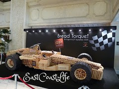 bread race car