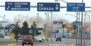 Lewiston_Bridge_Customs