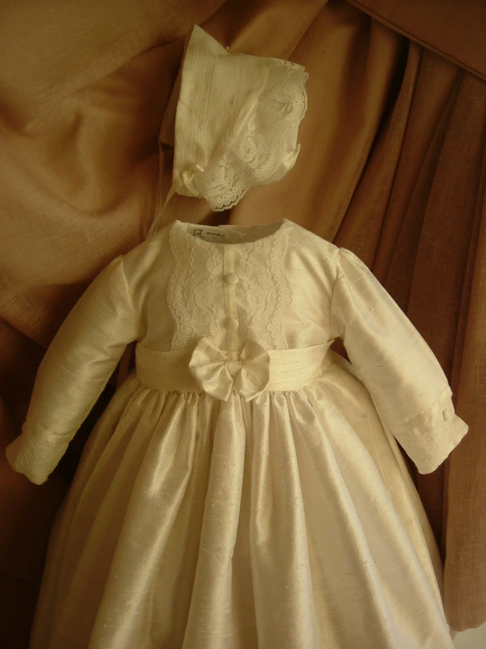 Girls Christening Baptism Gown with matching bonnet