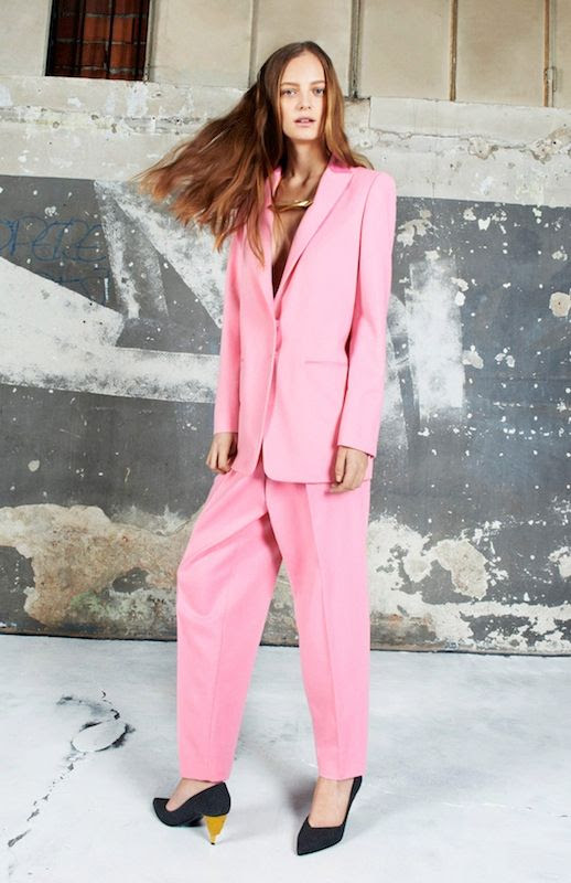 Le Fashion Blog Lorde Pink Suit Vionnet Pre-Fall 2014 Pant Suit Nirvana Rock and Roll Hall of Fame Induction Ceremony 2 photo Le-Fashion-Blog-Lorde-Pre-Fall-2014-Vionnet-Pink-Suit-2.jpg