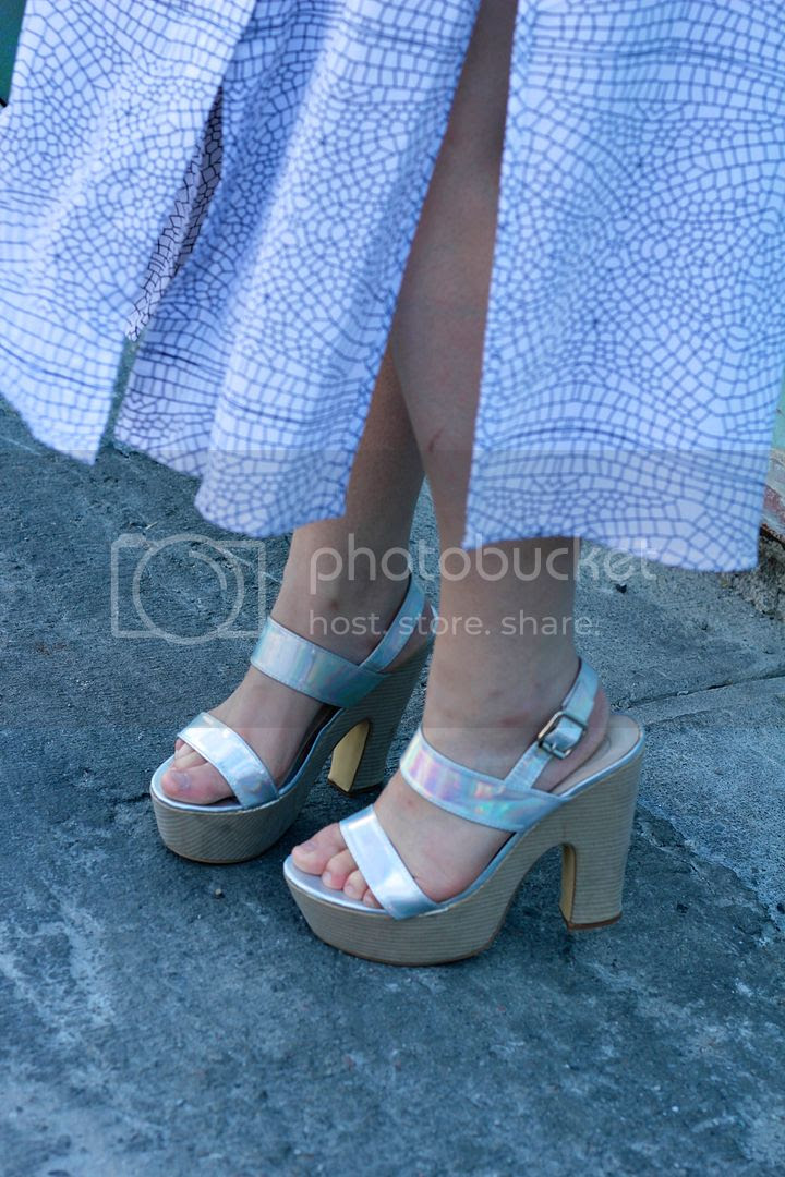 plus size fashion plus size toronto fashion plus size new york nyfw new york monki slit dress plus size iridescent shoes