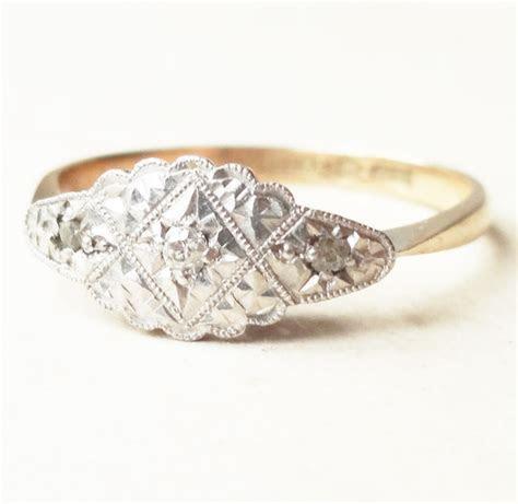 Art Deco Scalloped Platinum Cloud Framed Diamond Ring, 9k