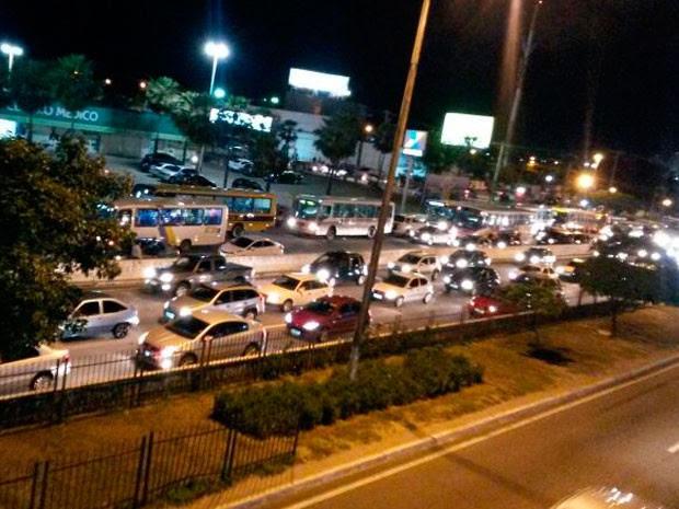 Trânsito ficou lento na BR-101 em Natal (Foto: Muriu Mesquita)