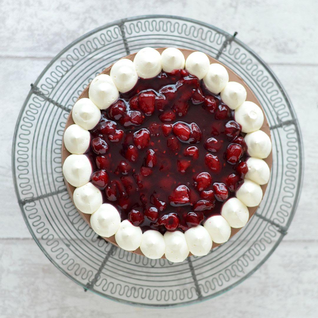 Berry Chocolate Cheesecake