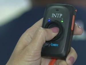 Botão do pânico para vítimas de violência, usado em várias cidades do país; DF terá app com função (Foto: Reprodução/EPTV)