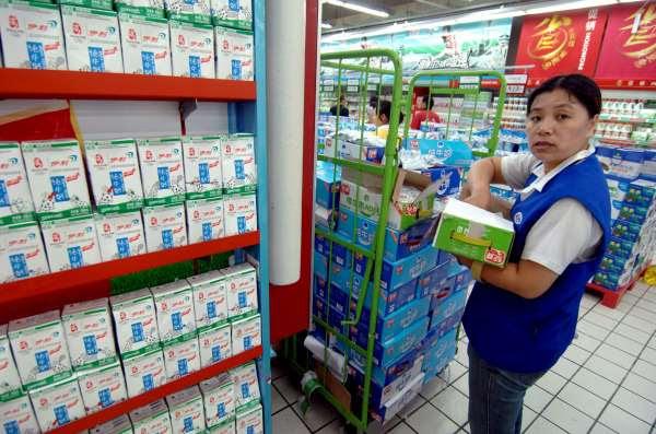 Tres bebés chinos desarrollan pecho a causa de la leche materna contaminada