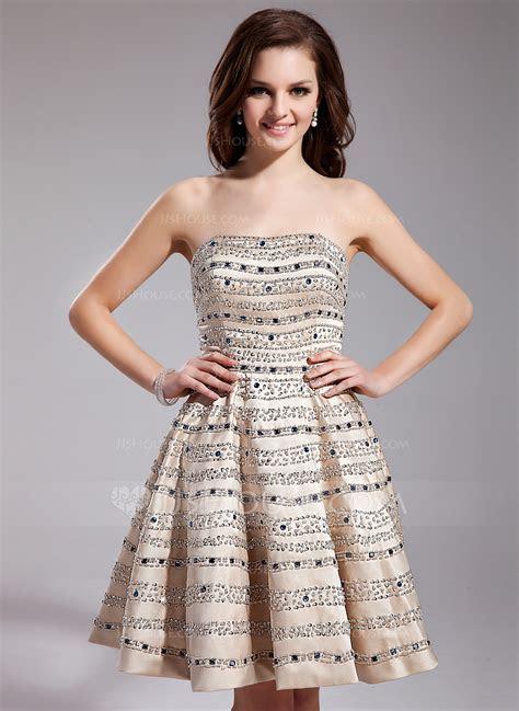 A Line/Princess Sweetheart Short/Mini Satin Prom Dress