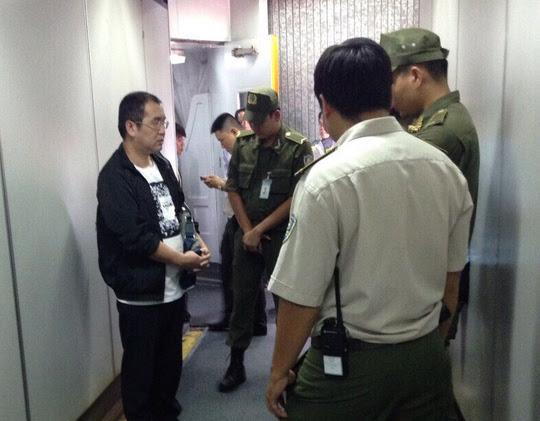 Ông Li Jun, Trung Quốc người ăn cắp trên chuyến bay VN 278. (Hình: báo Người Lao Ðộng)