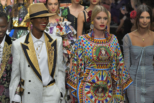 5585b841 Lady Kitty Spencer, Carla Bruni, Maye Musk & More Walked Dolce & Gabbana's  Spring 2019 Runway