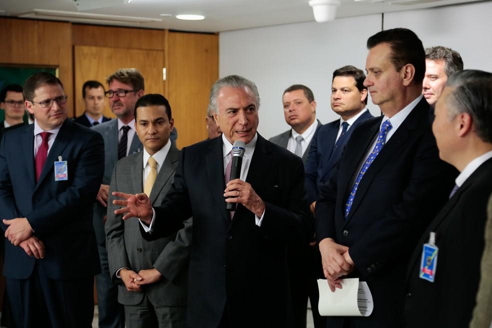 Marcos Pereira e Gilberto Kassab com Temer em evento (Foto: Marcos Corrêa/Presidência)