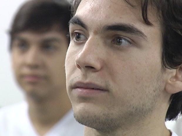 Leandro aguarda decisão da Justiça para tentar se matricular (Foto: Reprodução / TV Tem)