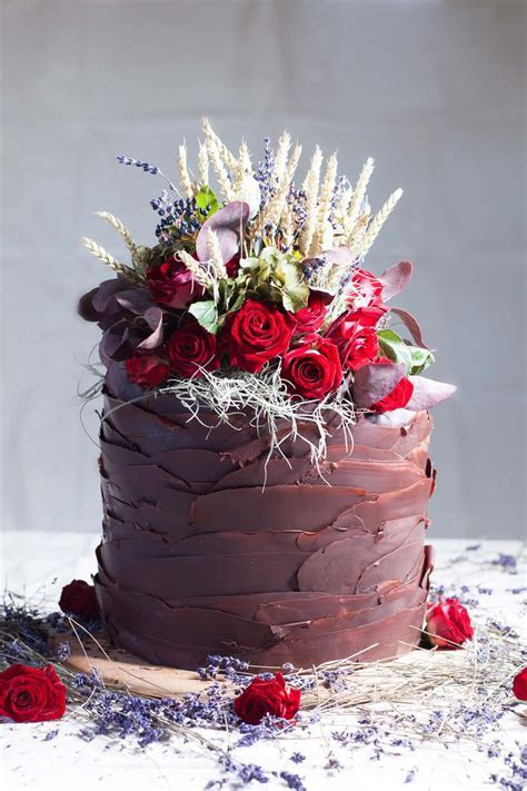 Single Tier Wedding Cakes: 15 Irresistible Designs