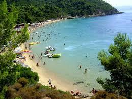 Δημοπρατούνται οι παραλίες στη Σκιάθο