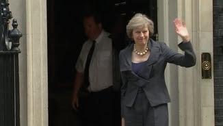 Theresa May arriba a l'últim Consell de Ministres de David Cameron