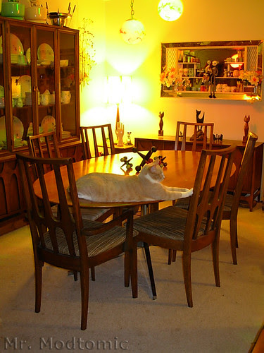 Florence Knoll table and Broyhill Brasilia Chairs - China Cabinet - Buffet 01