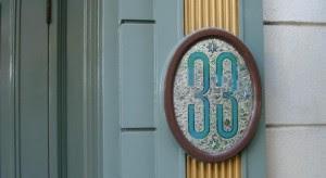 Club 33 Disneylandia e1350950922986 300x164 Número 33, el poder de una conspiración esotérica