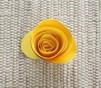 Rosa de papel pronta