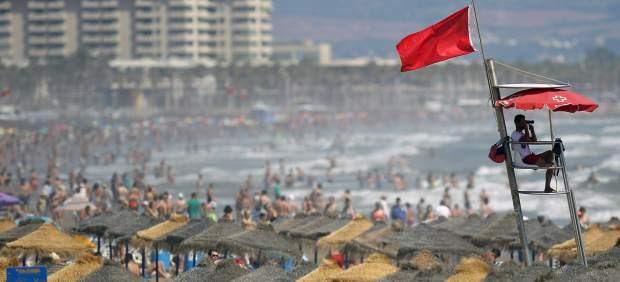¿Qué significa el color de las banderas en las playas españolas?