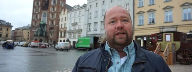 Amerykanin na wakacjach w Polsce zachodzi do Kościoła i...