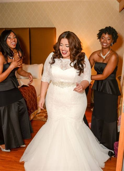 The Wedding Dress Guide for Full figured Brides   BridetoBride