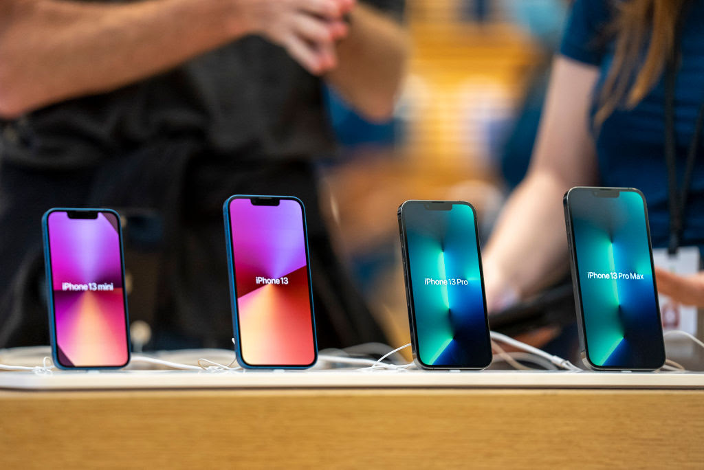 Apple Set to Cut iPhone 13 Production Goals Due to Chip Crunch