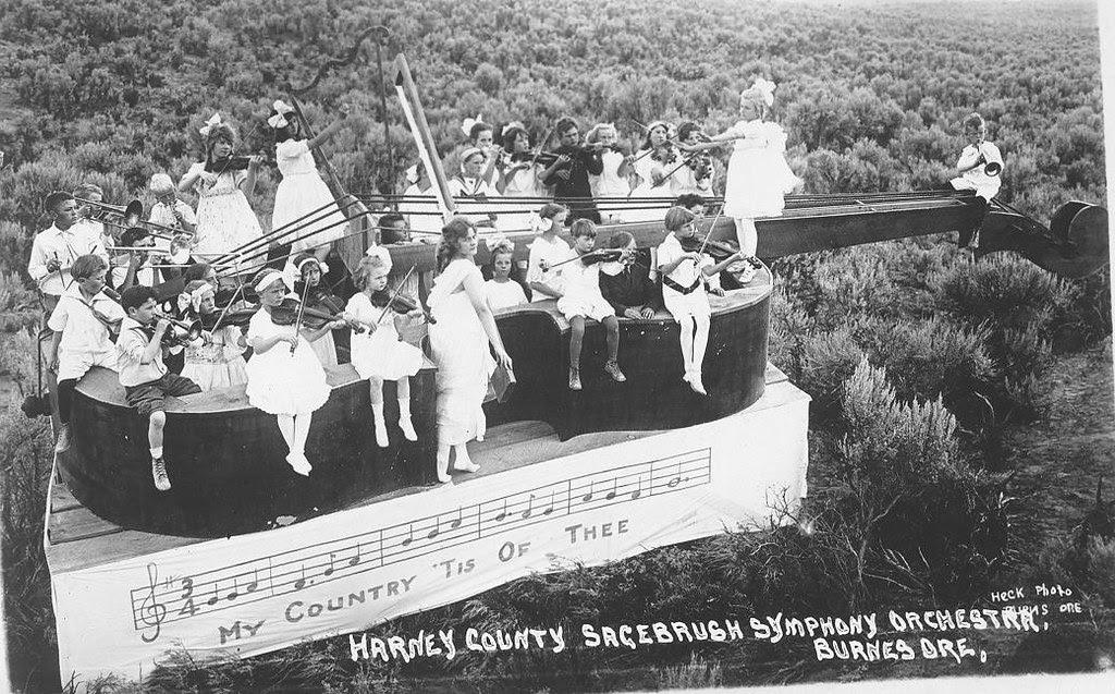 1916 Sagebrush Float
