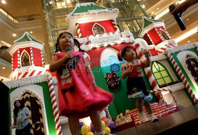 Gemuruh Natal di Pusat Perbelanjaan