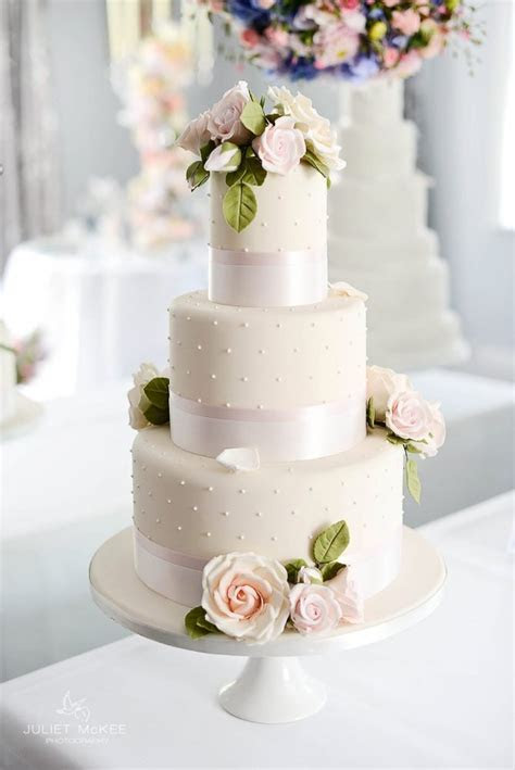 Peggy Porschen cakes and Fairynuff flowers