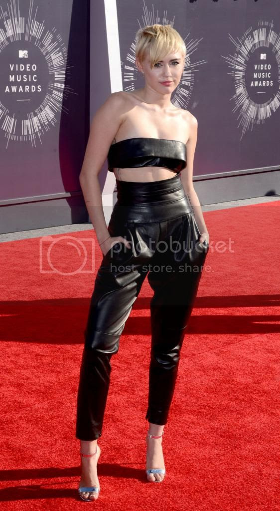2014 MTV Video Music Awards Red Carpet Fashion Style photo Miley-Cyrus-2014-MTV-Video-Music-Awards_zps1c656663.jpg