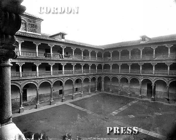 Patio del Convento de San Pedro Mártir de Toledo hacia 1875-80. © Léon et Lévy / Cordon Press - Roger-Viollet