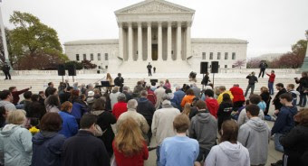 120326_scotus_crowd_ap_328