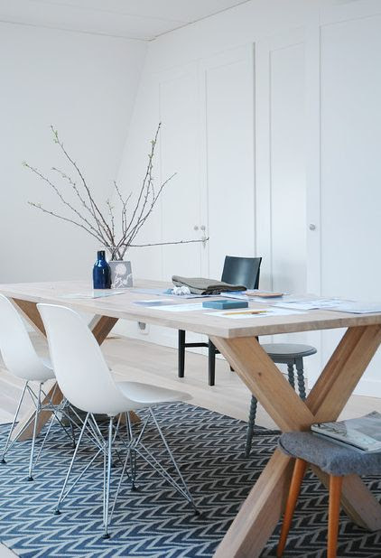 10 Beautiful Interior Designs Featuring The Eames® Molded Plastic ...