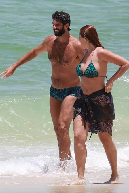 Ellen Rocche e Guilherme Chelucci com estampas iguais