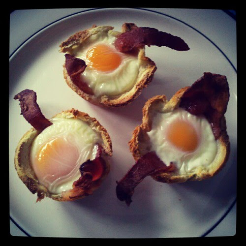Made the man's favorite #breakfast Bacon, Egg & Toast Cups. #bacon #pinterest #sodelicious #yumo