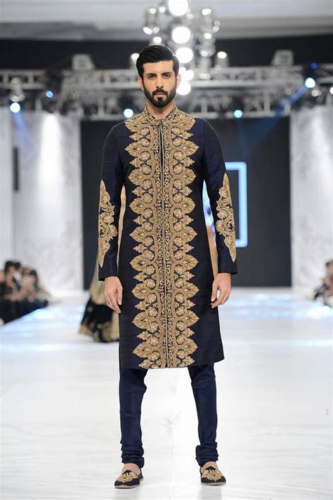 Gorgeous Sherwani Designs 2017 for Groom by Famous Designers