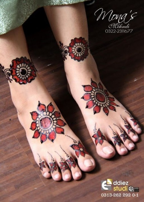 Beautiful-Indian-Bridal-Wedding-New-Mehndi-Designs-Photos-Embroidery-Dulhan-Feet-Mehndi-5
