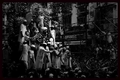 Lalbagh Chya Raja Toh Chale Gaye - Kuch Yadein Chod Gaye by firoze shakir photographerno1